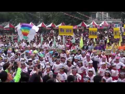 屏東市崇蘭國小106學年度創校20週年校慶運動會-一年級進場表演 - YouTube