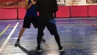 Контроль дистанции в боксе. Специальное упражнение для развития чувства дистанции.