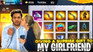 Giving Surprise Gift To My Girlfriend 30,000 Diamonds And Buying All New Rare Items Garena free fire