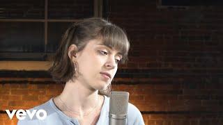 Lizzy McAlpine - Fire and Rain (Live)