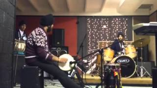 Download Hindi Video Songs - Bhangra band session live (mitran de boot) -Jazzy B & Dr Ze