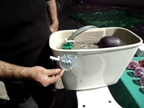 Ahorrador de agua en tanque de inodoro inocom youtube for Como fabricar tanques de agua para rusticos