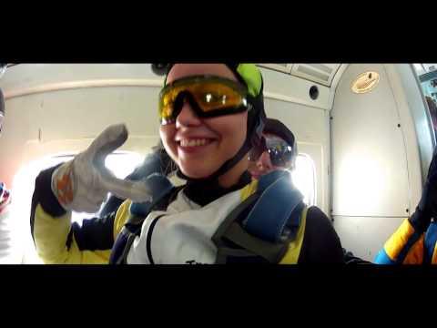 Первый прыжок с парашютом Станислава. г.Пермьиз YouTube · С высокой четкостью · Длительность: 3 мин52 с  · Просмотров: 519 · отправлено: 27-10-2014 · кем отправлено: Perm Skydive Video Pro