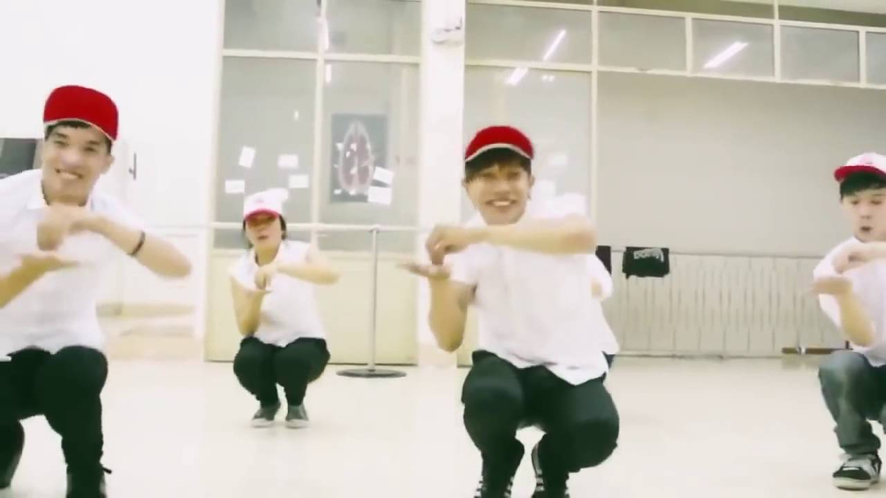 Pinguin Dance Best Ever hihihi - YouTube