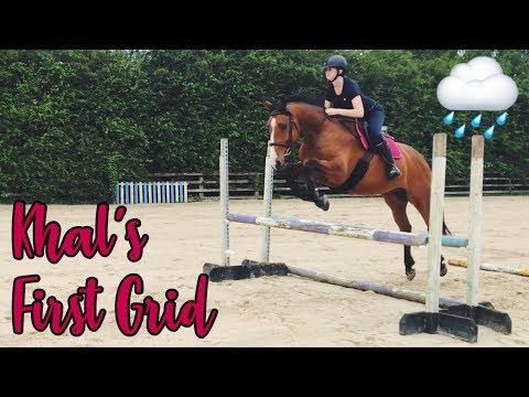 jumping-a-grid-in-the-rain-//-barn-vlog