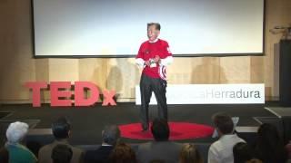 Educación con valores y virtudes | Carlos Kasuga | TEDxHumboldtLaHerradura
