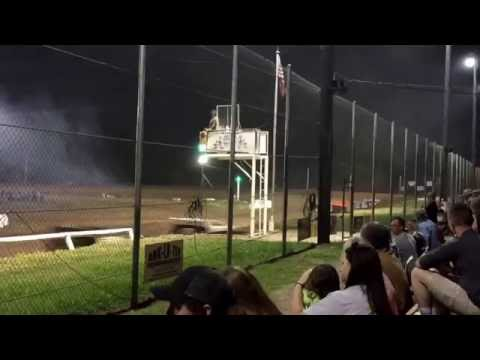 Close Racing at I-30 Speedway LateModel A-Main 5-21-16