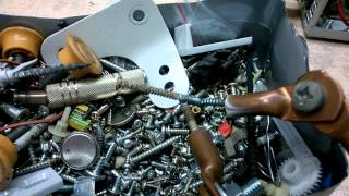 Аппарат точечной сварки своими руками.(Изготовил из сгоревшего трансформатора от микроволновки. Мне он необходим в качестве разогревателя загото..., 2015-10-10T05:50:41.000Z)