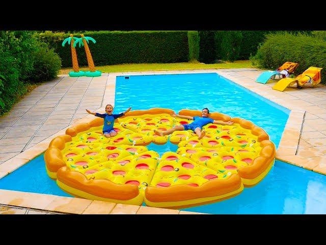 Swan the voice neo swan pizza g ante dans la piscine for Swan et neo piscine