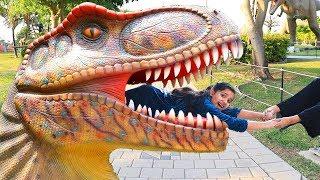 شفا في متحف الديناصورات !!!! shfa in dinosaur museum