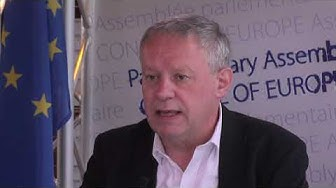 Pierre-Alain Fridez présente les résultats de la campagne contre la rétention d'enfants migrants