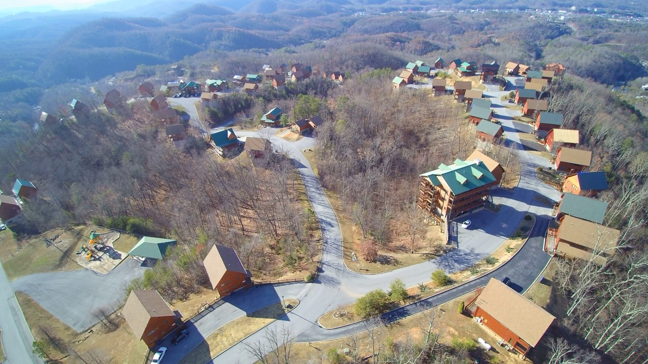 Starr Ridge Drive (Starr Crest Resort) Adjacent To Dollywood Fire Damage.