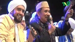 Video Habib Syech & Ki Enthus Susmono - Tegal Bersholawat download MP3, 3GP, MP4, WEBM, AVI, FLV September 2017