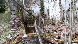 Заброшенные строения и памятник Крымской войны
