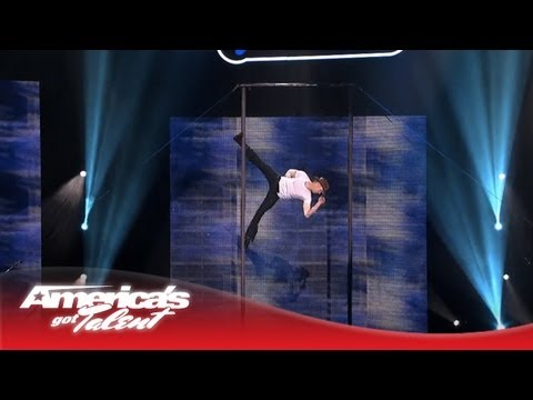 LOL! Heidi Klum Attempts Alesha Dixon's Famous Laugh! - America's Got Talent: The Champions from YouTube · Duration:  33 seconds