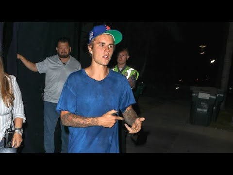 Justin Bieber Preaches To The Paps During Wednesday Night Service