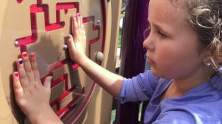 Learn English Playground! Music Maze Playground with Sign Post Kids!