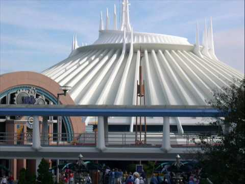 Disney World Space Mountain- 3rd Tunnel Music - YouTube