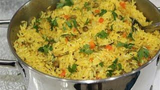 אורז צהוב עם אפונה וגזר-טעים וקל הכנה