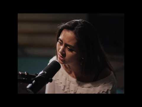 Смотреть клип Jasmine Thompson - Take Care