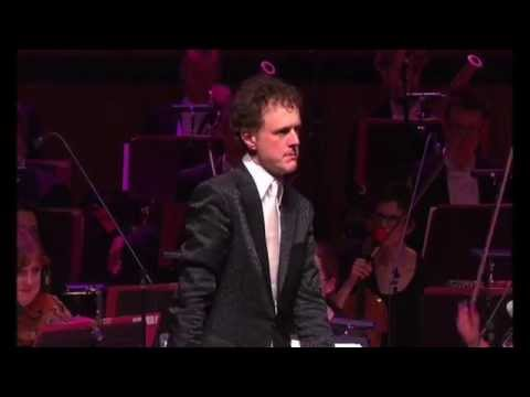 Funny! Orchestra Plays Microsoft Windows™ - The Waltz