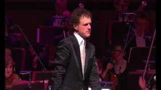 Download Funny! Orchestra plays Microsoft Windows™ - the waltz