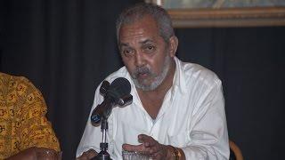 Victor Manuel Dominguez - Presentación del poemario «Café sin Heydi frente al mar»