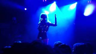 The Asteroids Galaxy Tour Live - Gold Rush Pt.1, Dollars in the night (Concert opening)
