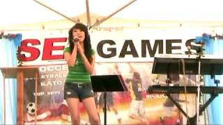 Repeat youtube video Abby Vang singing at Sea games 2010