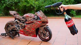NTN - Experiment: Phá Xe Ducati 1959 Với Bùn Và Coca   (Washing Motorcycle With Coca Cola )