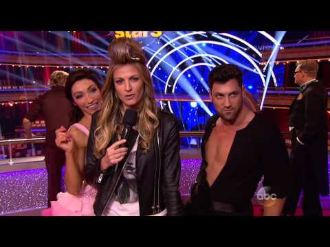Meryl and Maks goofing off with Erin in dress rehearsal outtakes from DWTS, Season 18