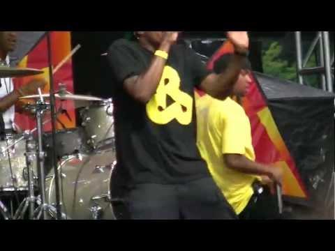 Dum Dum by Tedashii ft Lecrae (LIVE)
