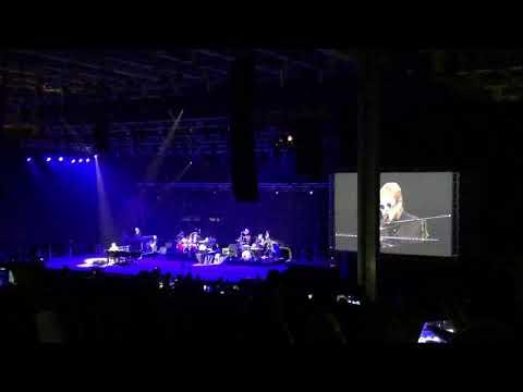 Elton John in Beirut- Daniel