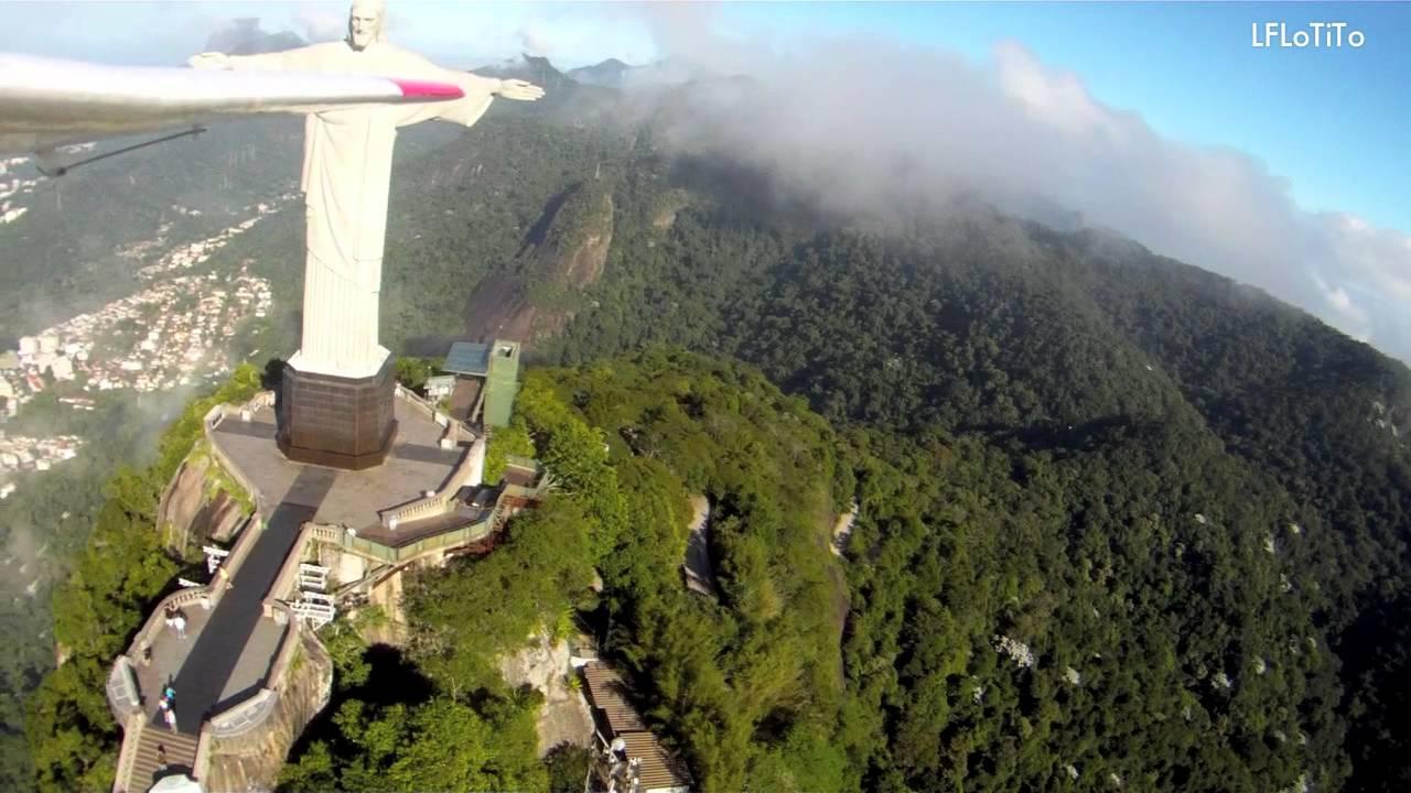 Amazing RC foam plane over Cristo Redentor!