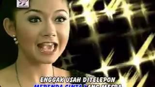 Download Ratna Antika - Pacar Lima Langkah [Official Music Video]