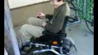 typek andrej na voziku lol