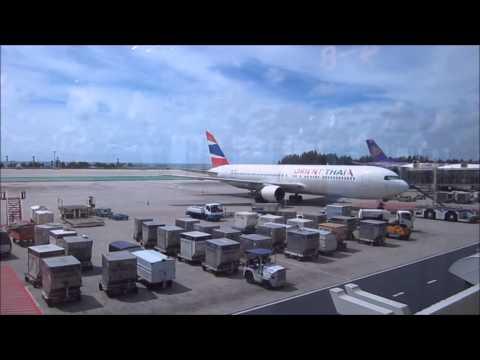 Inside Phuket Airport [HKT / VTSP]
