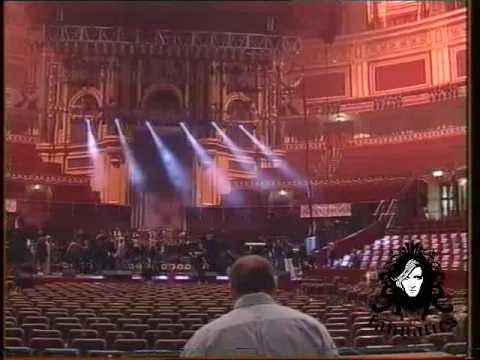 Anna Vissi - Rehearsal at the Royal Albert Hall (2000) [fannatics.gr]