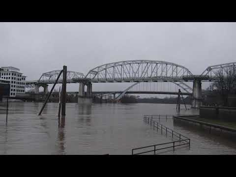 THE CUMBERLAND RIVER IN NASHVILLE AT THE NEAR FLOODING STAGE