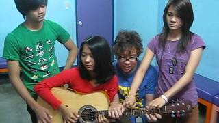 Gotye Somebody that I used to know cover by Gracenote (walk off the earth version)