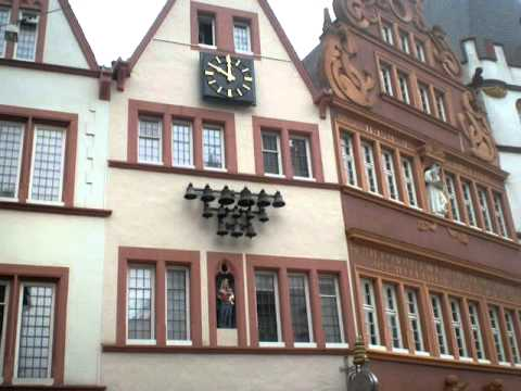 glockenspiel am hauptmarkt in trier youtube. Black Bedroom Furniture Sets. Home Design Ideas