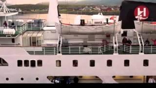 Hurtigruten MS Lofoten - Einlauf in Berlevåg, Norwegen