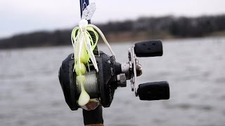 Pre-Spawn Cold Front Bass Fishing Tips - How to Fish a Bladed Jig / Chatterbait