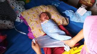 Bayi Menangis Saat Di Bedong | Ternyata Bayi Menangis Minta Nenen | Perkembangan Bayi 5 Minggu