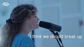 Смотреть клип Hollyn - I Think We Should Break Up