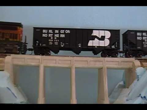 BN Coal Hoppers (HO)