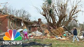 Taylor Swift Donates $1 Million To Help Tennessee Victims | NBC Nightly News