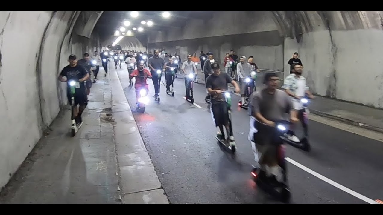 Cops Chase Group On Scooters DownTown LA, Ca  #1320ScooterMeet