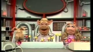 The Muppets - Season 3 Episode 19 - Elke Sommer