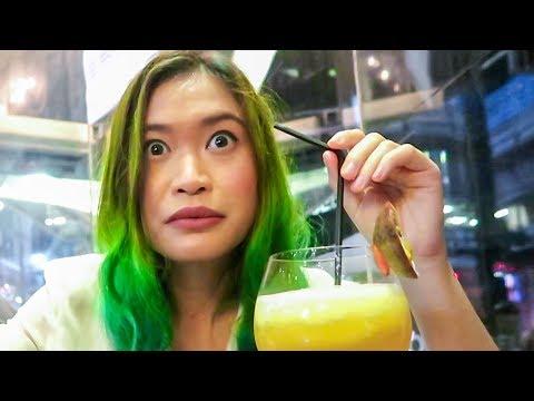 Two Weird Thai Girls - Bangkok Nightlife 2017